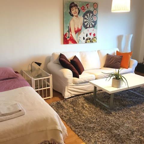 Comfortable flat near city - Nacka Östra - Wohnung