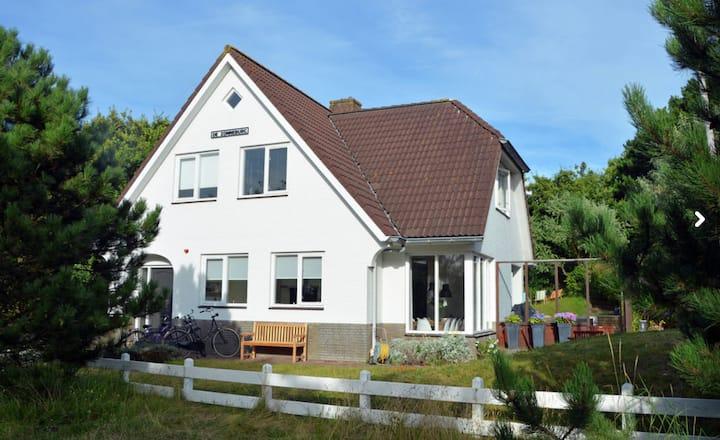 B23 NearAmsterdam Villa Zonneburg 3m walk to Beach
