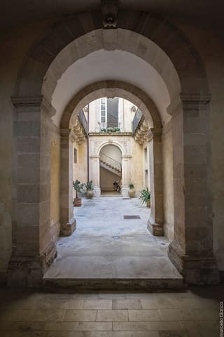 Airbnb Syracuse Holiday Rentals Places To Stay Sicily Italy