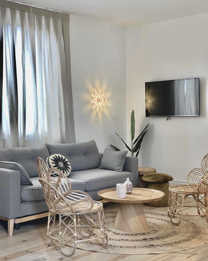 MK Guest House Alegria, 40 1 ESQ
