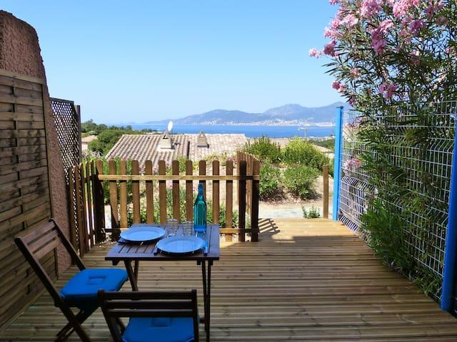Studio avec vue mer dans la baie d'Ajaccio