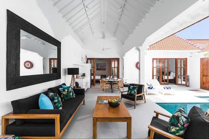 Villa Jolaine - Gorgeous 2BR Seminyak gem