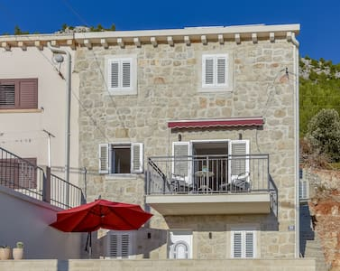 Charming Apartment Polly in  stone house with pool
