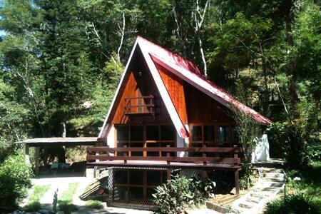 Casa Itaipava Chalé Duzé 1,5 km do centro Itaipava