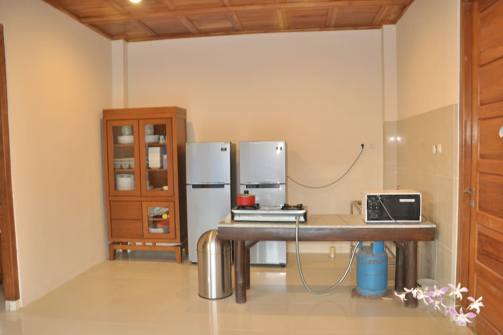 Guest Kitchen with cooking equipment, Microvawe, Refrigerator