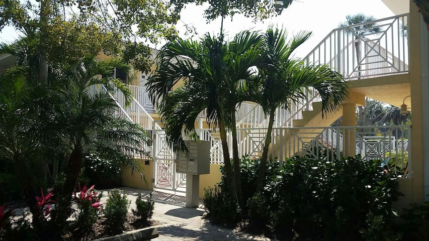 Perfectly located Old Naples condo - Napels - Appartement
