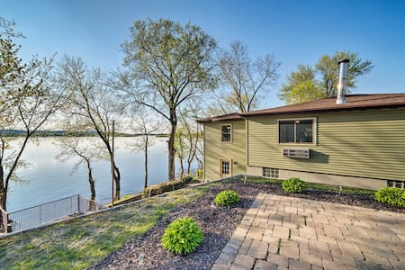 Spacious Thomson Retreat on the Mississippi River!