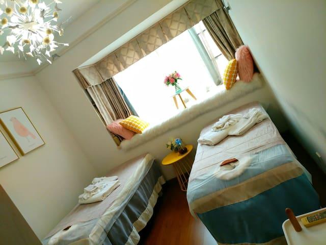 合住温馨舒适的双人独立美容房,床位如有需要合并在一起提前告知! 可免费停车 - Dongguan Shi - Diğer