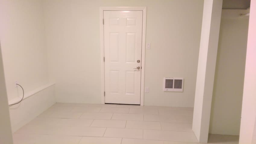 Vacant Studio Available 2/22-2/28 - San Bruno - Wohnung