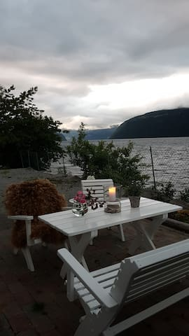 Sitting area overlooking the fjord.