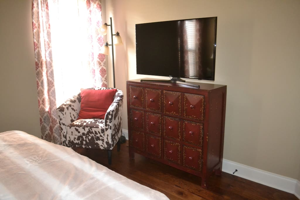 Cable TV in Lone Star Room