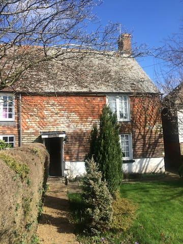 Old Sussex cottage in 1066 country - Windmill Hill - Casa