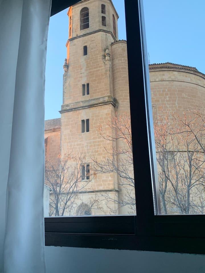 Estudio zona monumental Ubeda.luminoso y acogedor