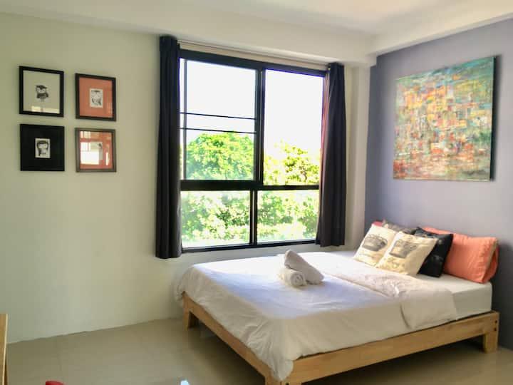 Comfy apartment BKk with Wifi near to sathon/silom