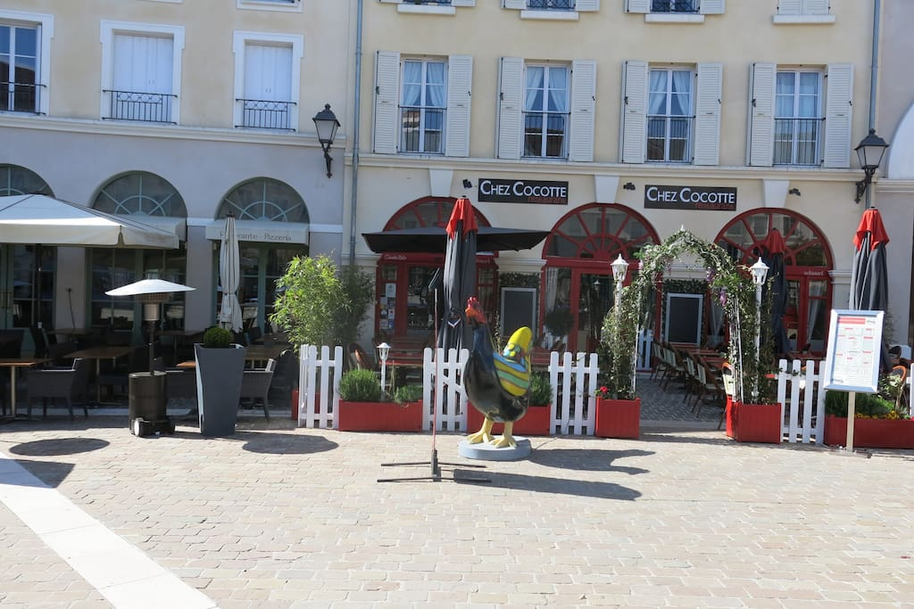 Restaurant - brasserie, spécialité française à bon prix. Restaurant - brasserie(brewery French speciality at good price(prize).