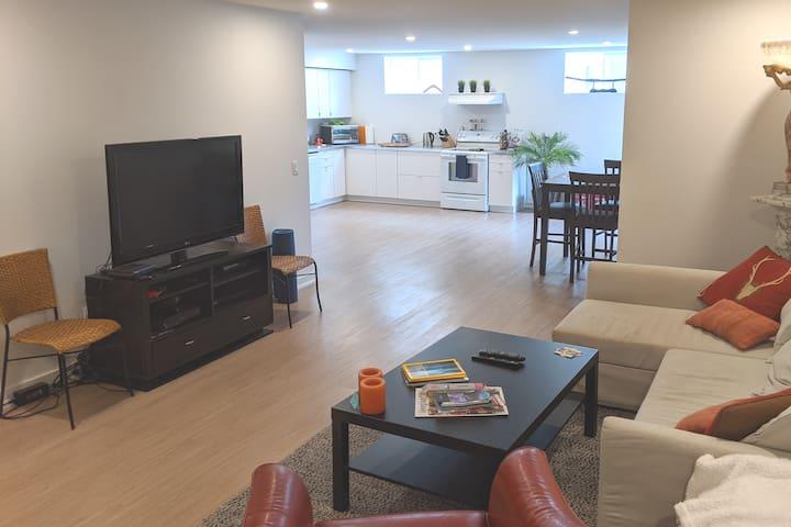 Collingwood Getaway-New Modern Apartment