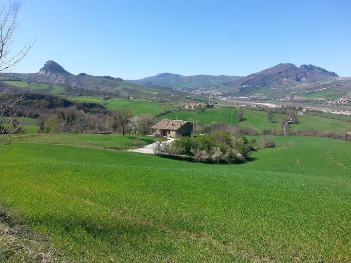 Country house con vista a San Leo e Valmarecchia