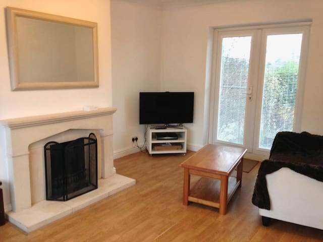 3 bed  family house dog friendly