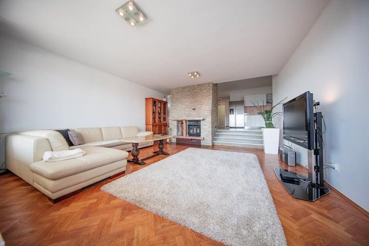 Villa GG: First Floor unit
