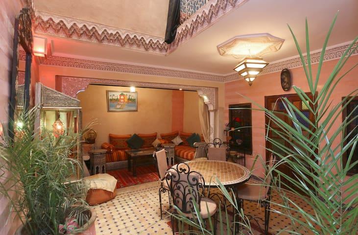 Aicha House -Bed & Breakfast Menara