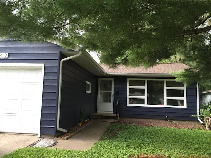 2+br home in east Iowa City