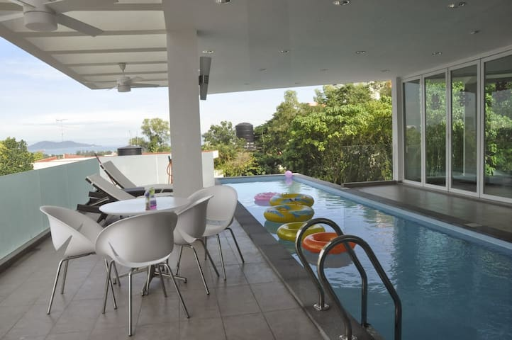 Relaxing Lifestyle Bugalow House with sea view - Kota Kinabalu