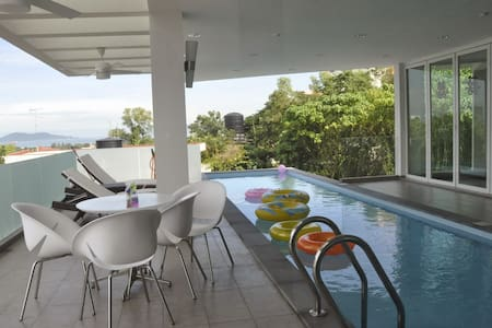 Relaxing Lifestyle Bugalow House with sea view - Kota Kinabalu - Bungalov