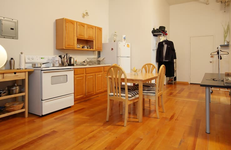 Beautiful 3 bedroom loft  Greenpoint/Williamsburg!