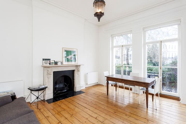 High ceilings in the heart of Notting Hill