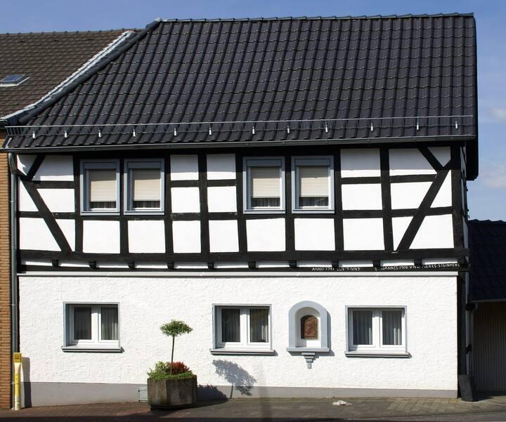 Fachwerkhof aus dem 18. Jahrhundert