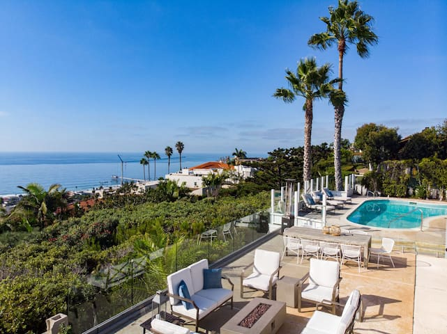 Breathtaking Estate w/ Panoramic Views of the Ocean | Pool & Spa ❤ by AvantStay