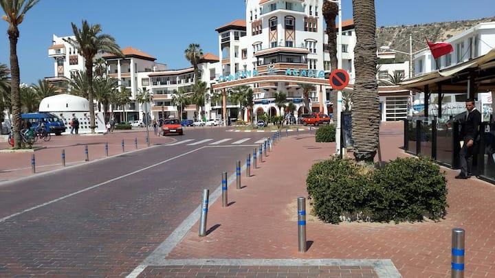 Marina Agadir.. App standing 100m2
