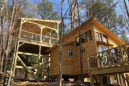 6 Ponds Farm Treehouse