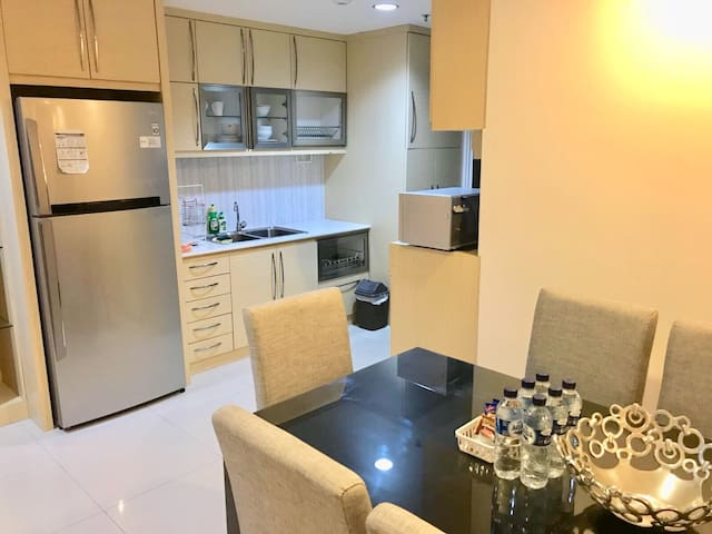 Erdiza Suite-3BR, Kitchen,WiFi, PIN, Gym,Pool,Mall