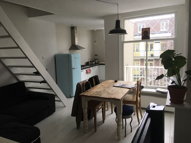 Light appartment in the Kinkerstraat! - Amsterdam - Apartment