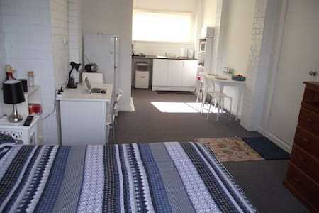 STUDIO,NO SHARING AT ALL, 15min Airport, 25min CBD - Keilor - Otros