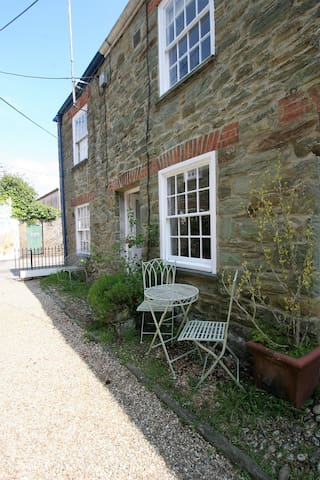 21 Island Street, Fishermans Cottage, Salcombe
