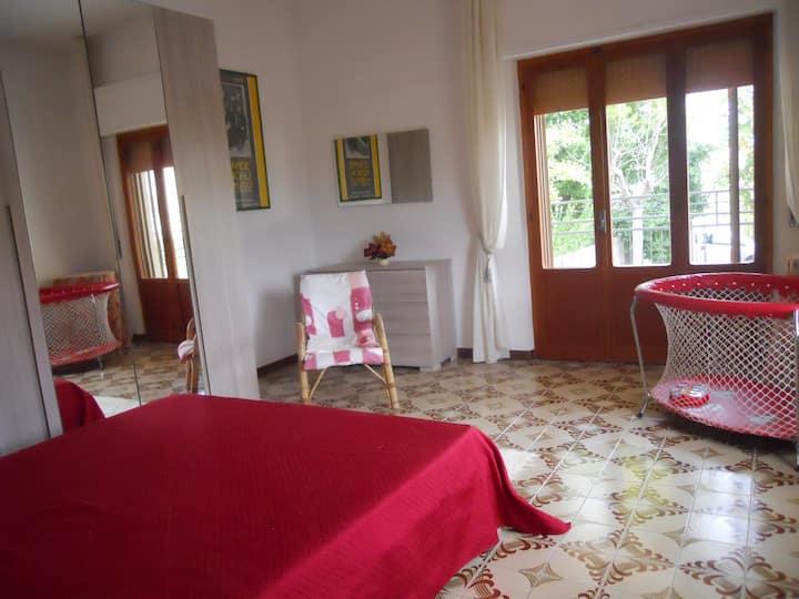 Camera Matrimoniale vista Borgo In Villa Il Noce