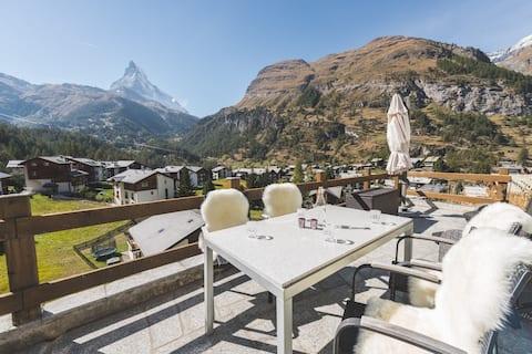 Matterhorn view from bed - apartment Zermatt 2-3 p