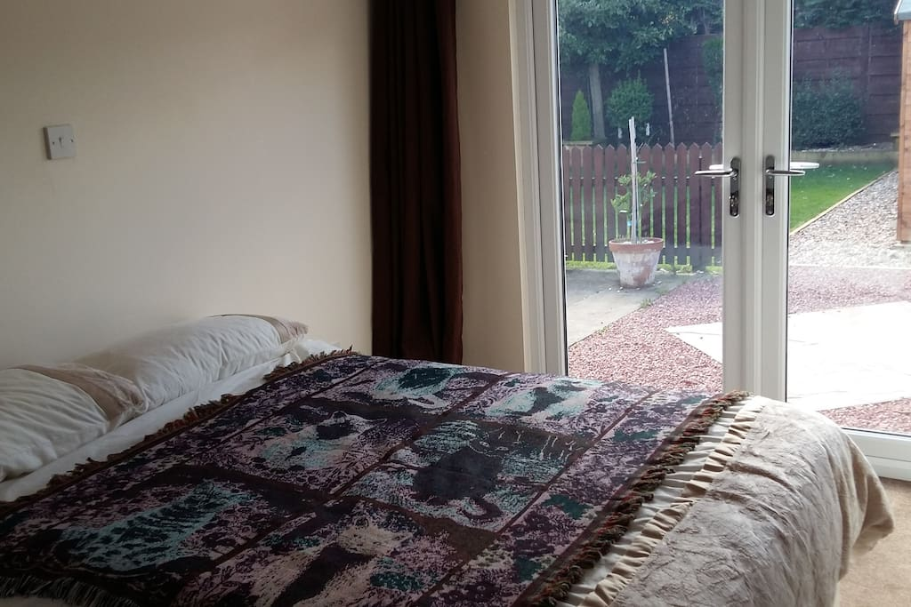 All / spare bedclothes provided
