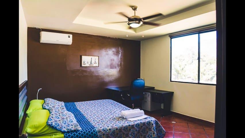 Apartamento con cama King