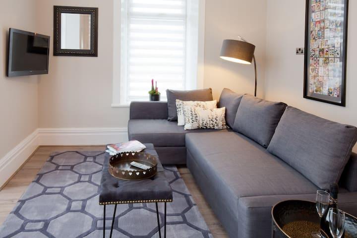 Luxury Blackpool Town Centre Apartment sleeps four