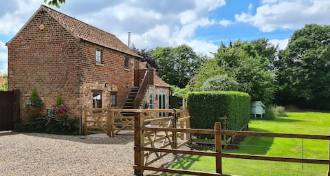 The Hayloft at Bainton - 2 bedroom cottage.