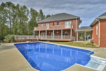 NEW! 2-Story Home w/ Fire Pit ~15 Mi to Huntsville