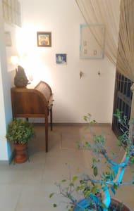 CASA DE MANUELA. Habitación privada simple - Tomares - 단독주택