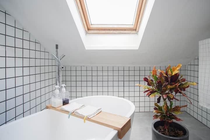 麻瓜工作室 R5 设计师自住 阁楼浴缸房间 西溪湿地 阿里巴巴 海港城