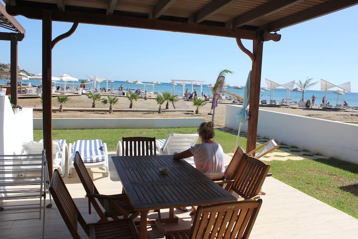 'Caesar Beach' Front Line Apartment Bogaz Cypus