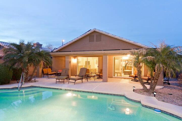 Superstition Lake House Spacious 3 BR Home/ PVT Pool/ Mesa