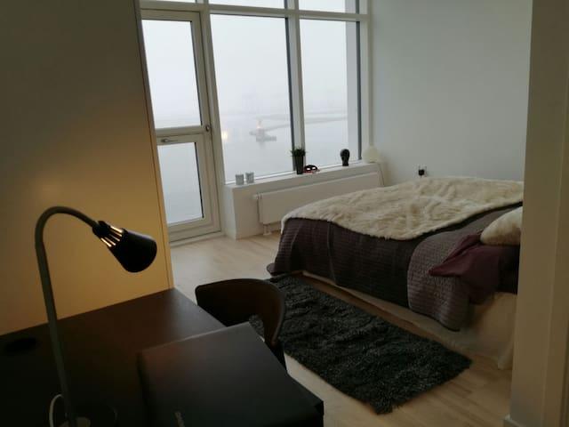 Occean view, private bath, Århus Ø - オーフス - アパート