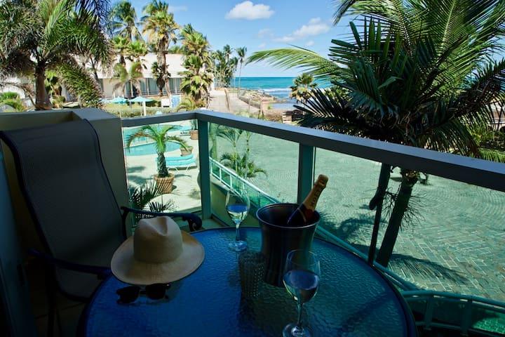 """Stunning OCEAN VIEW Studio """"Center of Everything """" - San Juan"""